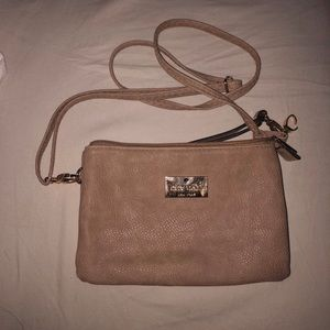 tan kate spade crossbody bag